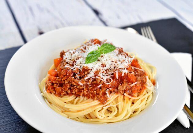 Pasta Bolognese, eller spagetti med köttfärssås, är en vardagsfavorit.