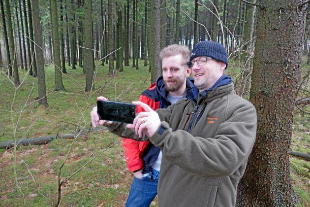 Krister Tham (till höger), vd och Linus Mårtensson, utvecklingschef, på företaget Katam i Malmö ska i år presentera en helt ny teknik för att mäta skog med mobilen.