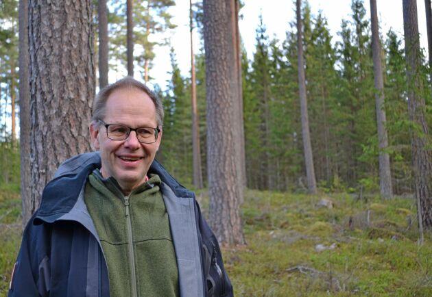 """""""Vårt problem är att de svenska skogsägarna nu hör till dem som får absolut sämst betalt för sitt virke på norra halvklotet"""", skriver Leif Öster."""
