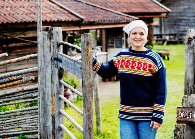 """22-åriga Knis Anna vill föra fäbodbruket vidare: """"Jag älskar det här enkla livet"""""""