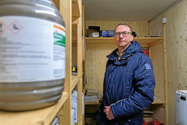 """I Ola Carlssons område inom Länsförsäkringar Skåne har stölderna minskat. """"Det är mycket svårare att göra snabba inbrott nu. Tidigare stod växtskyddsmedlen mer eller mindre bara bakom en masonitdörr""""."""