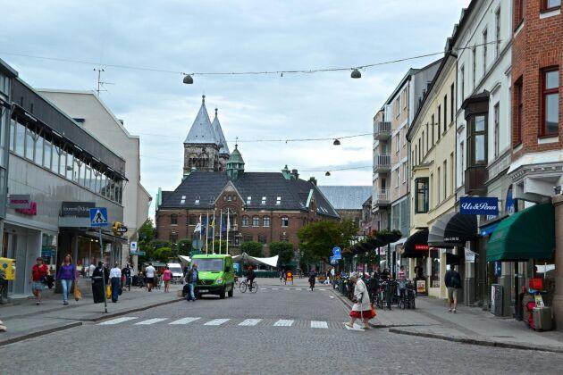 Lunds befolkning växer snabbt. Våren 2017 passerades Lunds befolkning 119 000 invånare. Prognosen är att befolkningen kommer att öka med 2 procent per år fram till 2026.