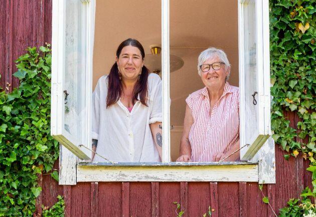 Ann-Charlotte, 44 år, tog ett sabbatsår för att få lära sig det som mamma Ingrid, 75 år, kan - ett slags avancerad hemkunskap.
