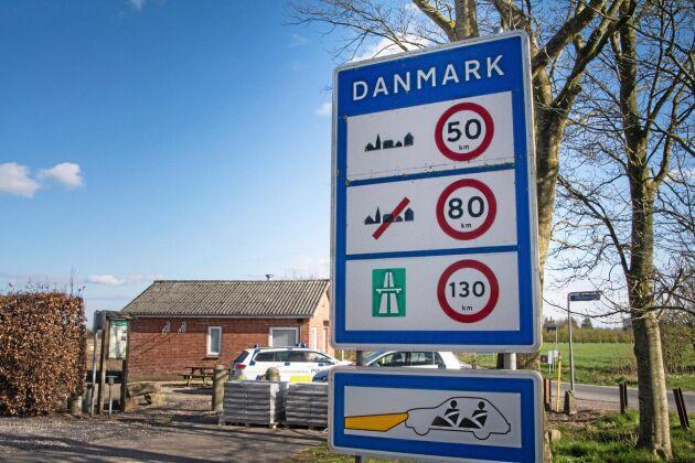 Vid de 15 gränsövergångar som omfattas av Schengen-avtalet måste det råda fri passage. Här ska man i stället använda övervakningskameror och doftstolpar.