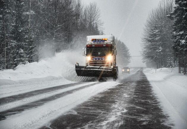 I Jämtland övervägde Svevia att ta in utländsk arbetskraft till vinterväghållningen.