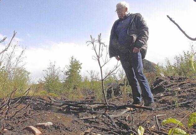 Ingens Åbinger har lagt många timmar på att patrullera skogsägorna. Nu har han köpt in sin första drönare som han planerar att använda både för brandspaning och för att hitta barkborreangrepp.