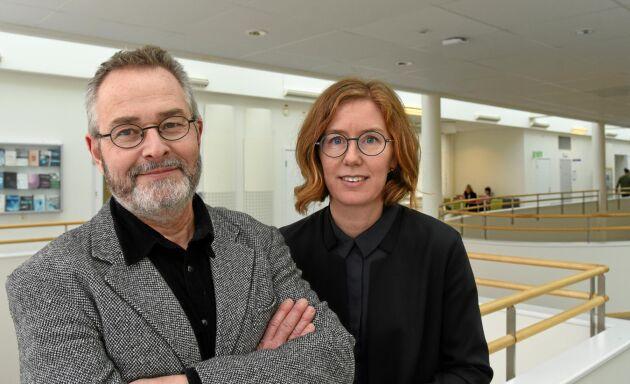 Jan Olsson och Monika Berg ska under tre år forska om hur värdekonflikter påverkar tjänstemännens beslut på tre myndigheter.