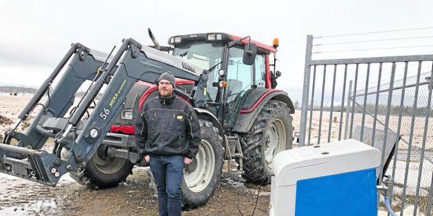 Traktortanken fylld med egen biogas