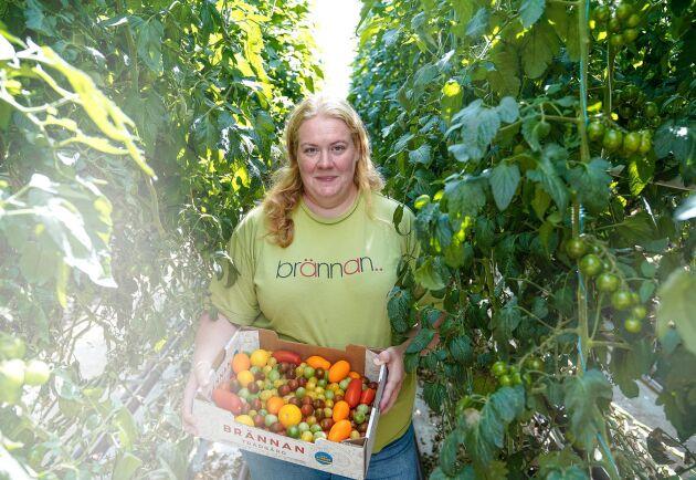 """Caroline Andersson driver en konventionell tomatodling i Skåne och välkomnar satsningen """"Mer mat – fler jobb""""."""
