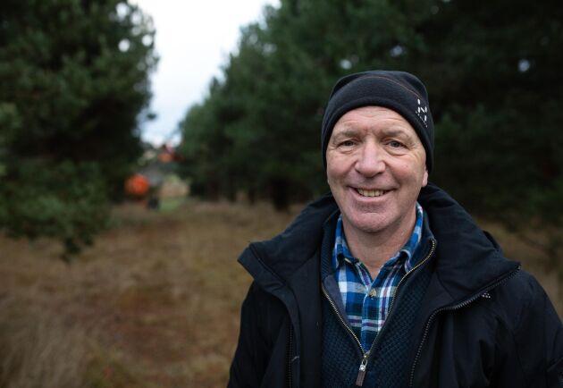 """""""Det är inte speciellt mycket tallkottar i år, men förra året fick vi bra med tallkottar"""", säger Bengt Svensson."""