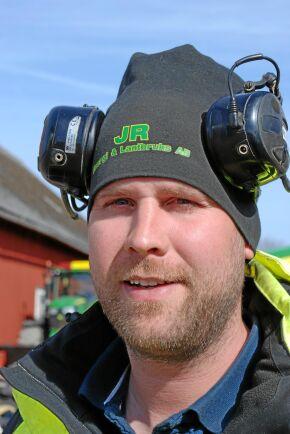 Rickard Anderssons far och farfar köpte traktorer av andra märken men hittills har Rickard haft John Deere som standard när han ska köpa nytt.