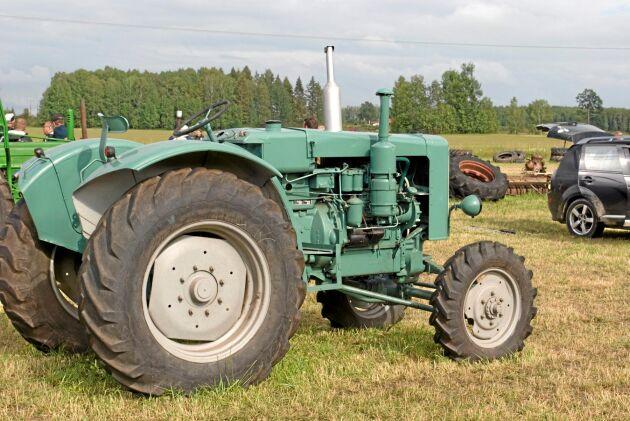 En för Sverige ovanlig MAN med fyrhjulsdrift såldes till ett bolag i Holland.