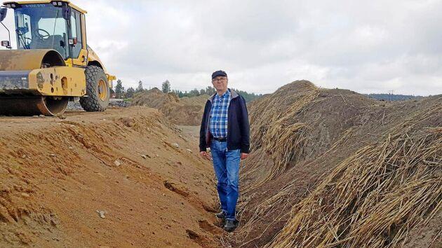 Arne Lindström är en av fem markägare som berörs av vägbygget.