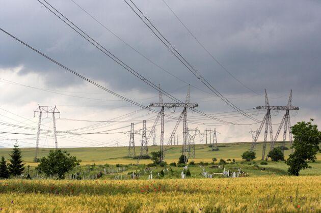 Konsekvenserna av ett långvarigt strömavbrott i Sverige skulle märkas inom ett dygn.