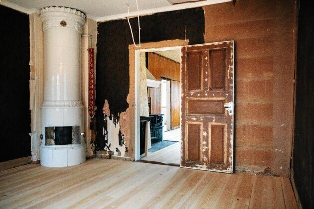 Grundarbetet med väggar och golv är gjort. Nu återstår att tapetsera och inreda.