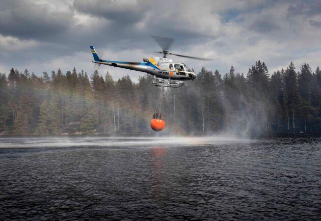 Helikopter för brandbekämpning.