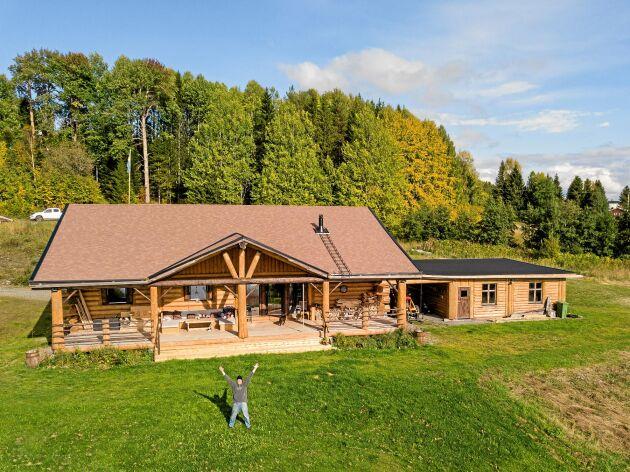 Ett spektakulärt hus som väcker stort intresse hos både traktens invånare och turister.