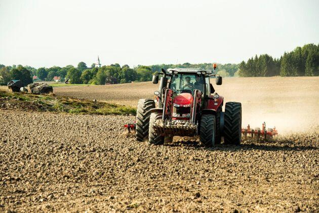 Hur ska LRF agera för att tillvarata och utveckla de små jord- och skogsbrukarnas intressen? Det frågar sig debattören.