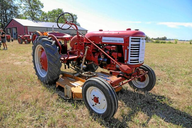 Farmall Cub Lo-Boy 4-cyl T11.