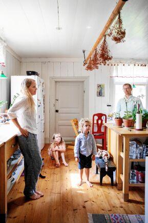 Det är gott om plats i köket som är dimensionerat för ett storhushåll och senare ett pensionat.