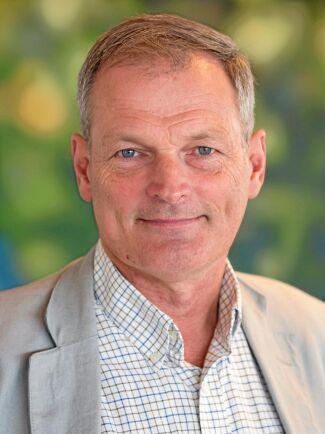 """Nödvändigt. """"Vintrarna blir mildare och vi har ganska mycket virke på mark som riskerar rätt omfattande skador om man inte kan köra när det är riktigt fruset"""", säger Rolf Björheden på Skogforsk."""