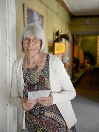 Ulla Mortimer inne på museet.