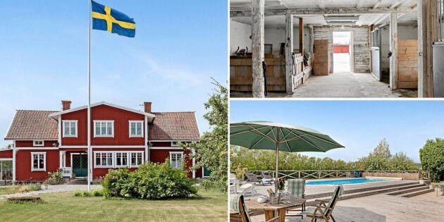 Se hit Enköpingsbor – hästgård med eget poolområde till salu