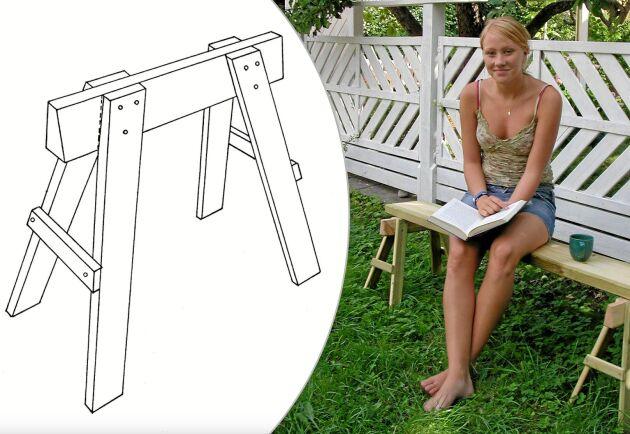 Två bockar och en planka blir en bänk att sitta på.