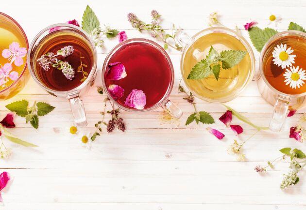 Te är i första hand en dryck framställd av bladen från tebuskar. Men det finns en lång rad andra örter och växter att koka en värmande kopp på.