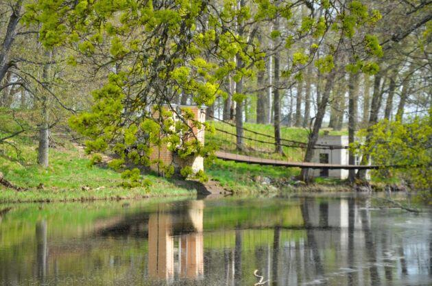 Hängbro till Engelska parken.