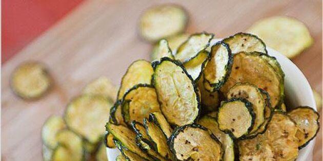 Blomkålspopcorn och zucchinichips: Nyttigt fredagsmys som hela familjen gillar!