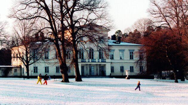 Haga slott stod nyrenoverat 2010 när Victoria flyttade in med sin Daniel. Sedan dess bor barnen Estelle och Oscar också på slottet.