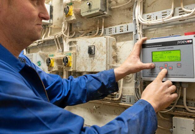 Styrning. Spaltbevattningen kan styras från den moderna ventilationen.