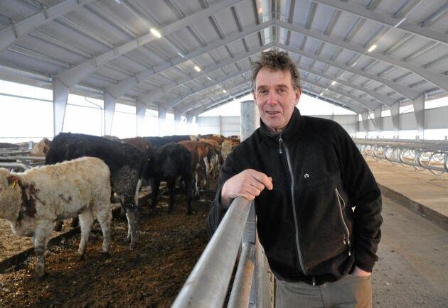 Stefan Gård, ordförande för Sveriges Mjölkbönder: –Det är ett av de bättre stöden eftersom det är direkt riktat och inte så luddigt som många andra stöd. Sedan vet jag inte om djurens välfärd blivit bättre på grund av klövpengen, men det är absolut inte negativt.