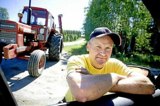 Hans Nordin berättar att den förra reparationen höll ungefär en vecka i samband med att man körde vatten till en brand.