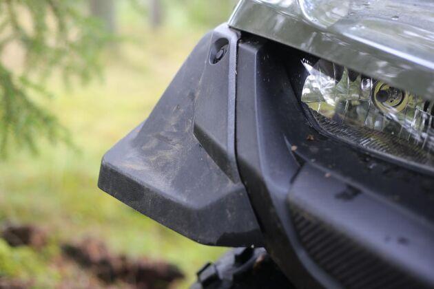 Stänkskydden sticker ut på Suzukis ATV.