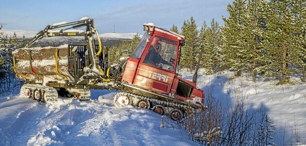 Vi har lång samlad erfarenhet av konflikten mellan naturvård och vinstkrav på Sveaskog och har själva fått uppleva att naturvårdsfrågorna nedprioriterats i budgetprocesser, skriver fem före detta medarbetare.