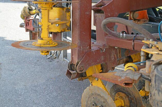 Skivor framför såbillarna ger en säker fröplacering vid direktsådderna.