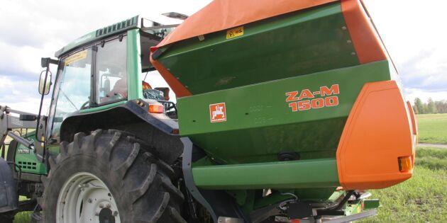 Höga gödselpriser pressar lantbruket