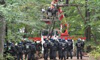 Tysk polis ingrep mot skogsprotestanter