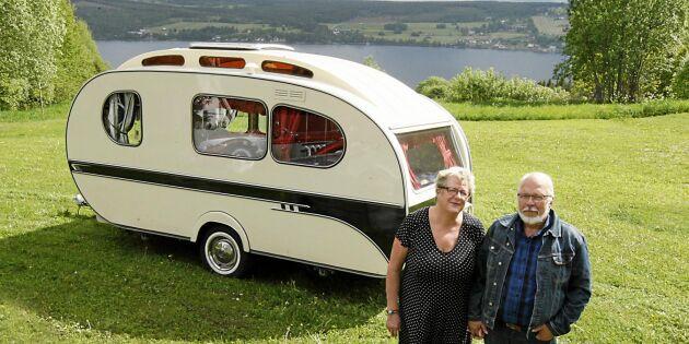 Titta in i Sivs och Leifs unika husvagn från 1966!