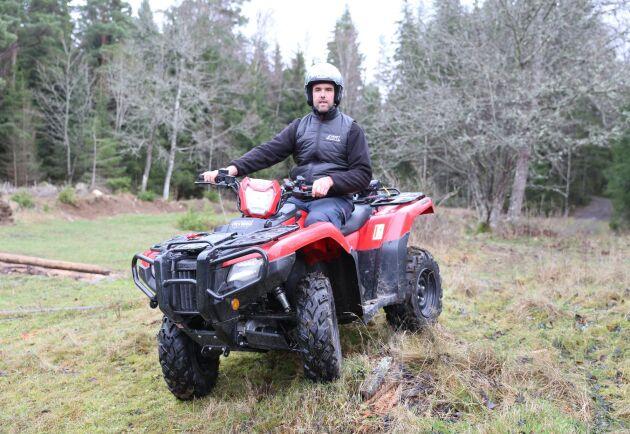 Unik växellåda, men dålig markfrigång. ATL:s ATV-expert Per Johansson ger sitt omdöme om Hondas Rubicon 520.