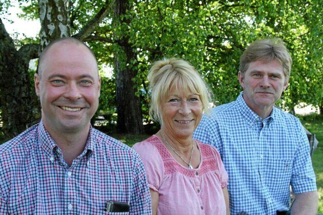 Hoppfulla. Mattias Espert, Margareta Åberg och Ingemar Olsson i Sveriges Grisföretagare hoppas regeländringar ska stärka svensk grisproduktion. Fler grisar per box och sänkt avvänjningsålder är två förslag som ska testas.