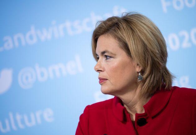 Tysklands jordbruksminister Julia Klöckner är inte glad på Frans Timmermans just nu. Arkivbild.