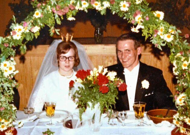 """Lands brudpar firar guldbröllop: """"Vi har slitit och haft roligt i 50 år"""""""