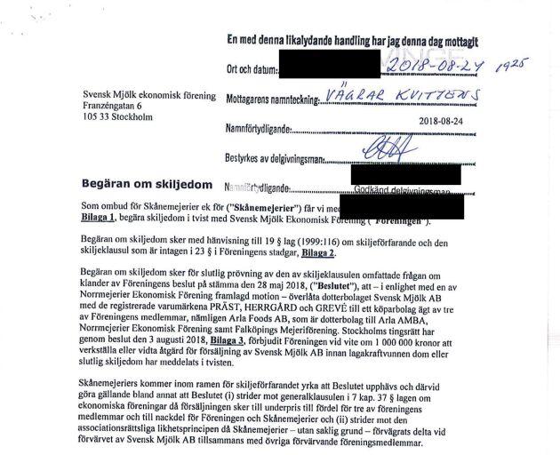 Skånemejeriers begäran om skiljedom, som lämnats till styrelsemedlem i Svensk Mjölk.