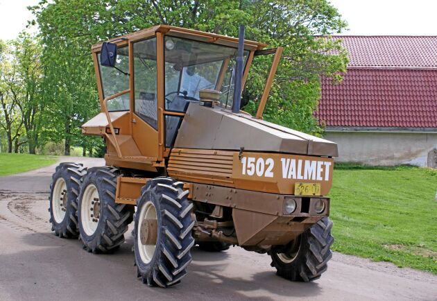 I historiens backspegel berättas om Valmet 1502 som en traktor som blev för dyr och för tung. Att den var före sin tid.