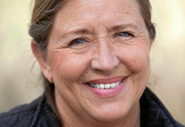Gill Croona är före detta sjuksköterska och engagerad i människor med psykisk ohälsa. Tillsammans med djuren på gården driver hon grön rehabilitering.