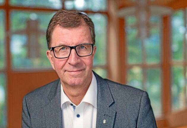 """""""Den kommer att fortsätta. Men frågan är i vilken takt"""", säger trävaruföretaget Martinsons koncernchef Lars Martinson om konsolideringen inom träindustrin."""