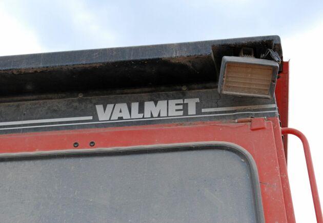 Från och med 1986 stod det enbart Valmet på dekalerna. Då kunde inte namnet Volvo BM användas längre.